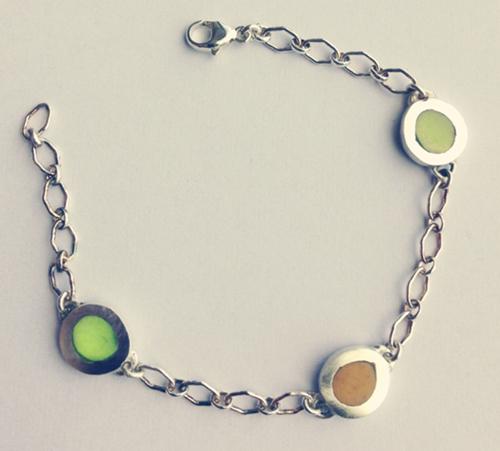 3-pebble-bracelet-crop