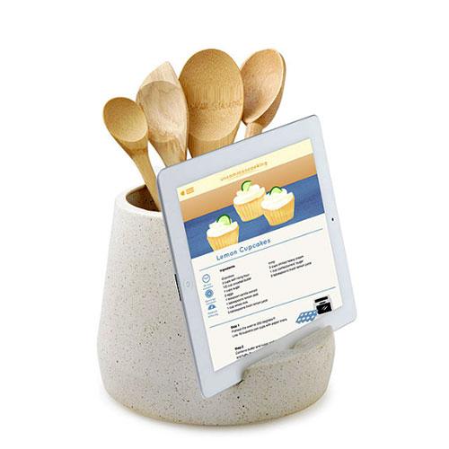 Kitchen_utensil_tablet_holder